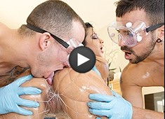 Abella Anderson Gets An Oil Change