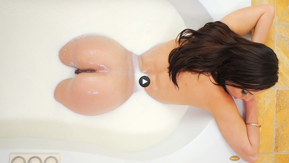 Watch Trailer Aidra Fox Gets Her Ass Creampied!