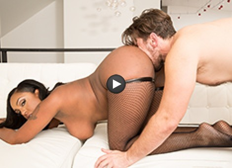 Layton Benton Shows Manuel Ferrara Black Girls' Asses Taste Good Too!